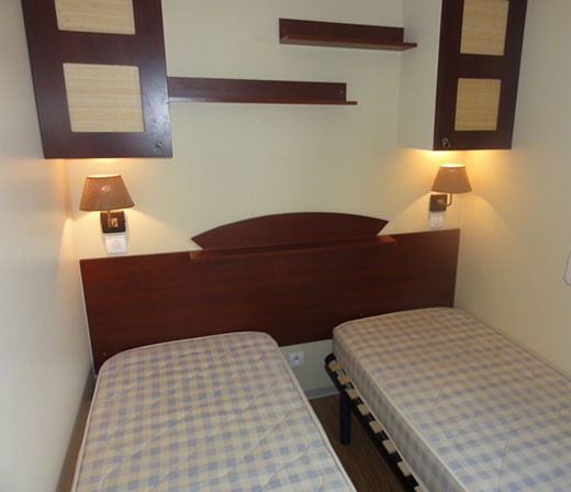mobilhome-confort3-camping-flots-chambre2