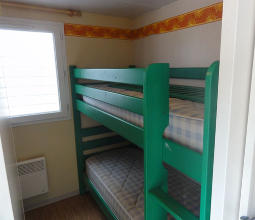 mobilhome-confort3-camping-flots-chambre