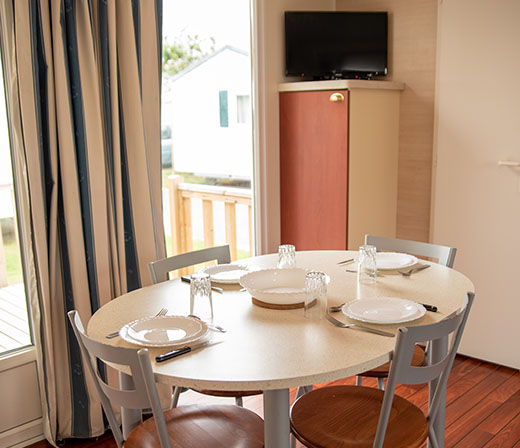 mobilhome-confort-coin-repas